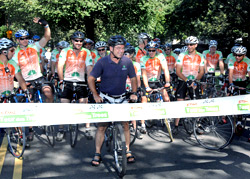 Parks Commissioner Adrian Benepe and 70 cyclists kick off the STIHL Tour de Trees in Central Park.